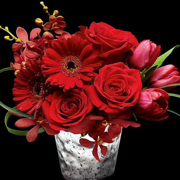 aboutflowers_valentinered_whitepot_600