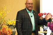 Raska Helps Florists Wow Brides at SAF's One-Day Profit Blast in Austin