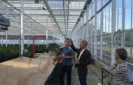 Congressman Pays Visit to Oregon Flower Farm