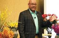 Raska Helps Florists Wow Brides at SAF's One-Day Profit Blast in Austin