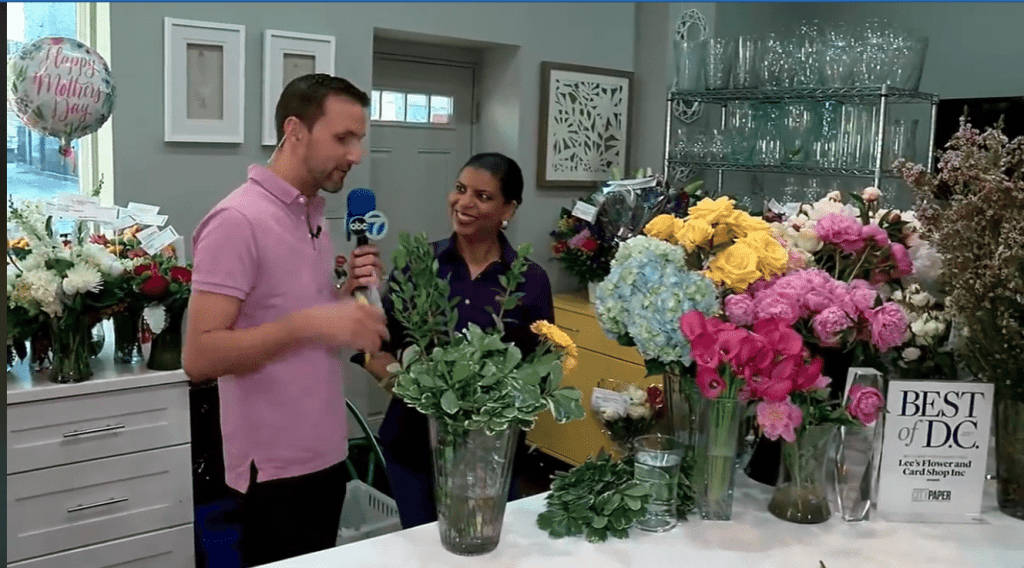 "Kidd O'Shea, the entertainment reporter for ""Good Morning Washington"", spent several hours with the team at Lee's Flower & Card Shop. He joined co-owner Stacie Lee Banks, AAF, for an impromptu, funny design tutorial."
