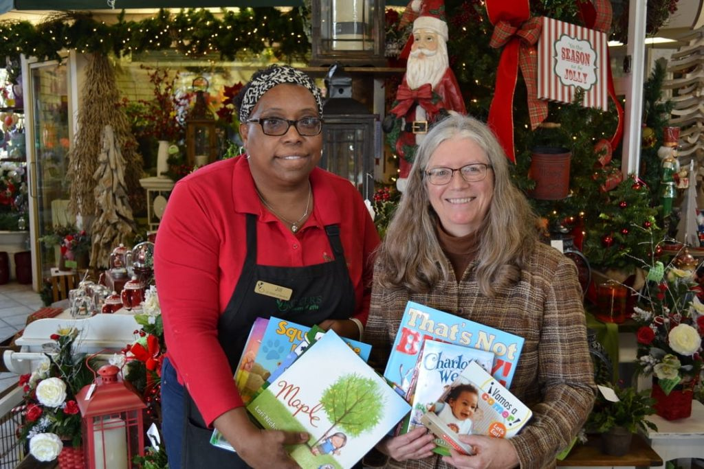 Florists Collect 858 Children's Books for Public Libraries