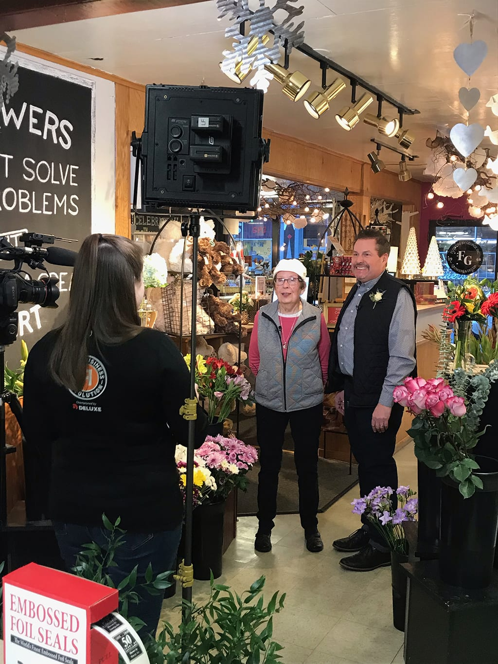 Small Business Revolution, a Hulu television program, has selected Arlington, Washington, as a finalist city for its fourth season. Its hosts recently interviewed the Flowers by George team, including SAF member David Boulton, AAF, PFCI, and his mother, Annalee.